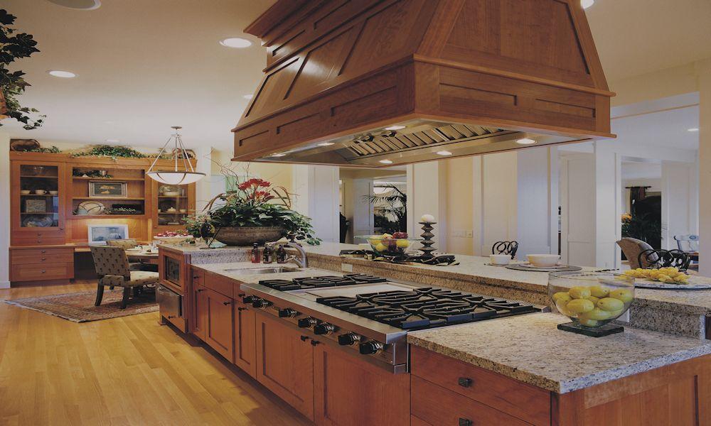 Oregon Craftsman 2002 Street of Dreams Custom Home by Rick Bernard Custom Homes - 1409 Kitchen-Nook (4c)